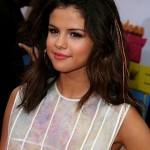 Celebrity Trend: Clip-in Feather Hair Extensions