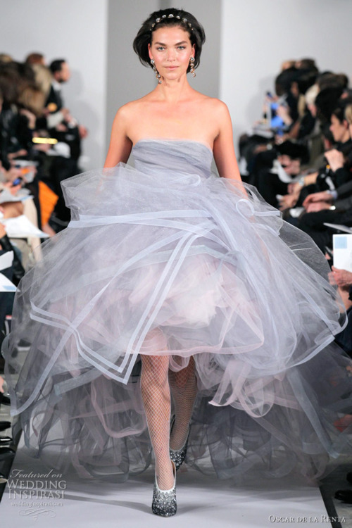 Oscar de la Renta Winter 2012 wedding dress