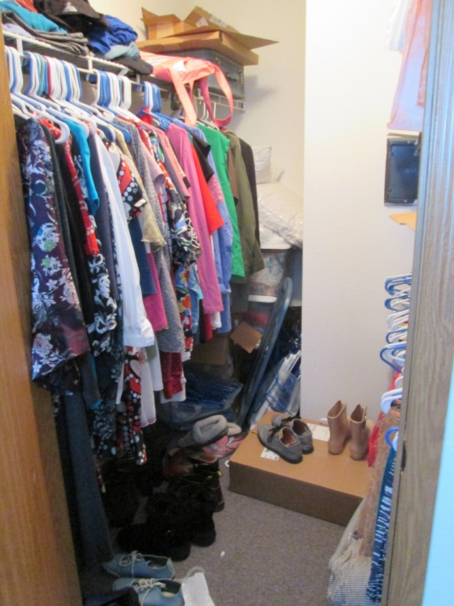 closet-before (650 x 867)