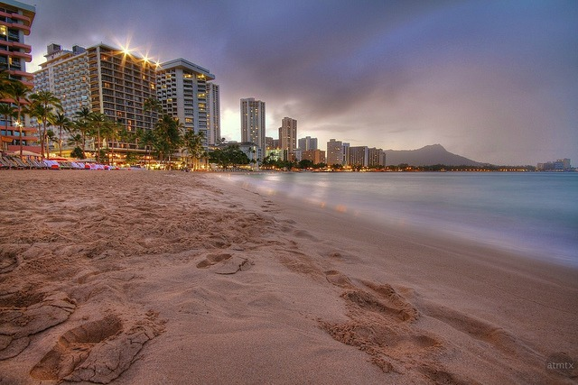 diamondhead-beach-honolulu