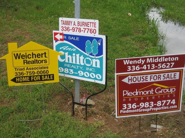 realtor-signs