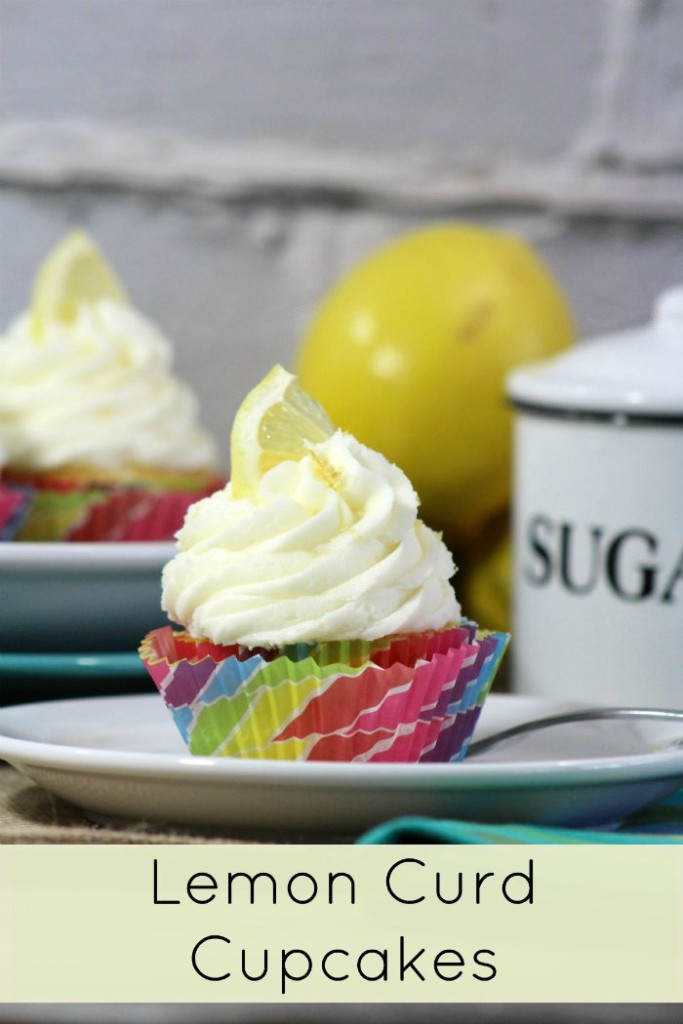 Make these super tasty lemon curd cupcakes from scratch