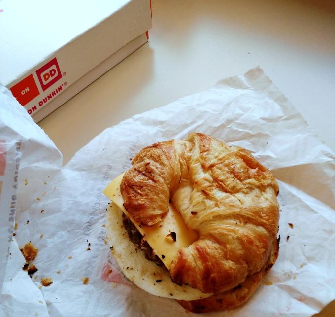 dunkin donuts breakfast sandwich