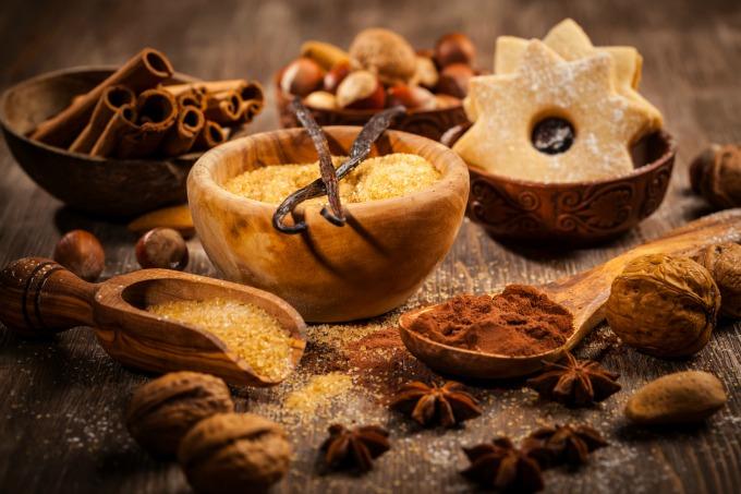 cinnamon vanilla and spices