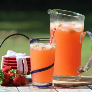 Strawberry mojito lemonade vert
