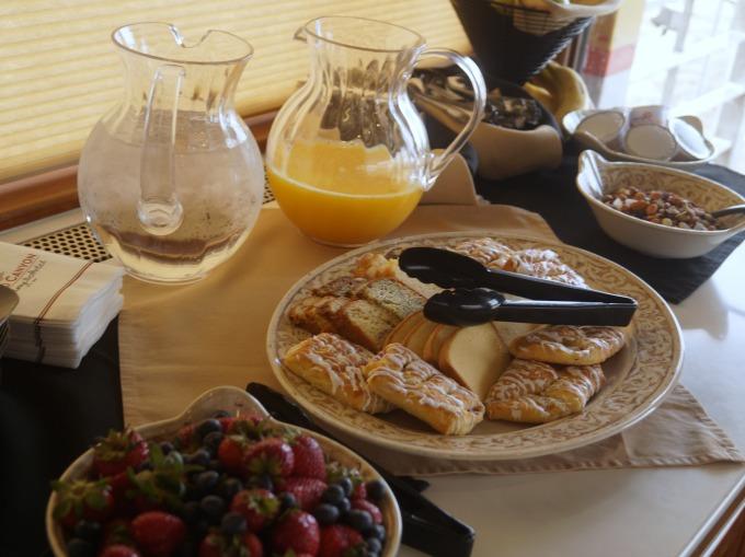 Grand Canyon Railway breakfast