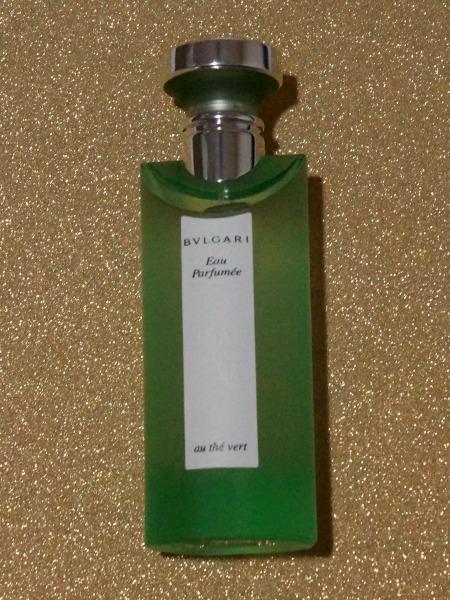 Bvulgari Au the Vert Perfume is a great fresh scent.