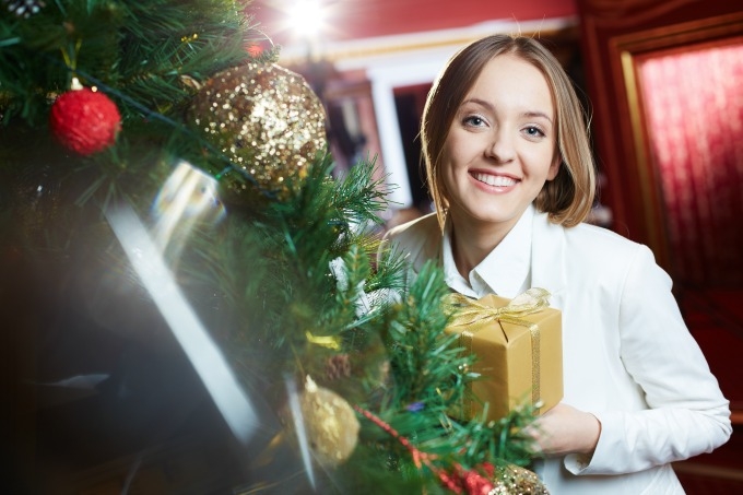 Great gift ideas for women of all ages, that she's sure to love.