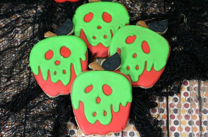 How to make Snow White's Poisoned Apple decorated cookies