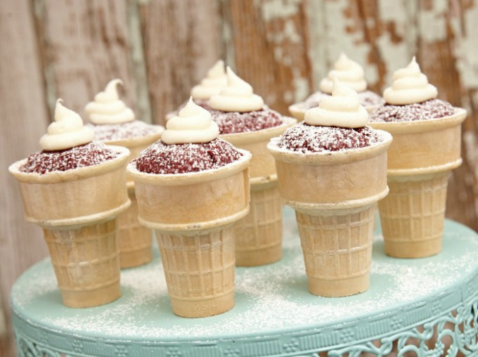 Spicy red velvet cupcakes made in a cone