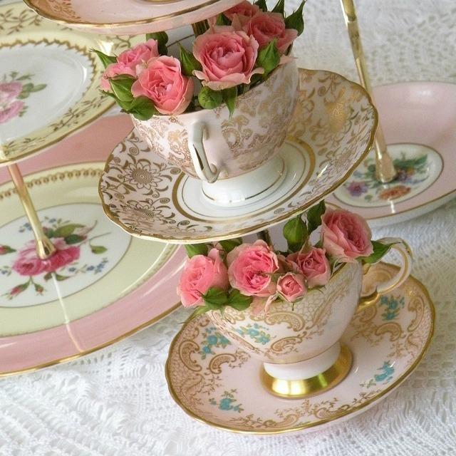 roses-in-teacups