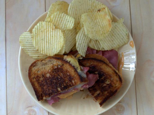 reuben-sandwich-overhead-2-650