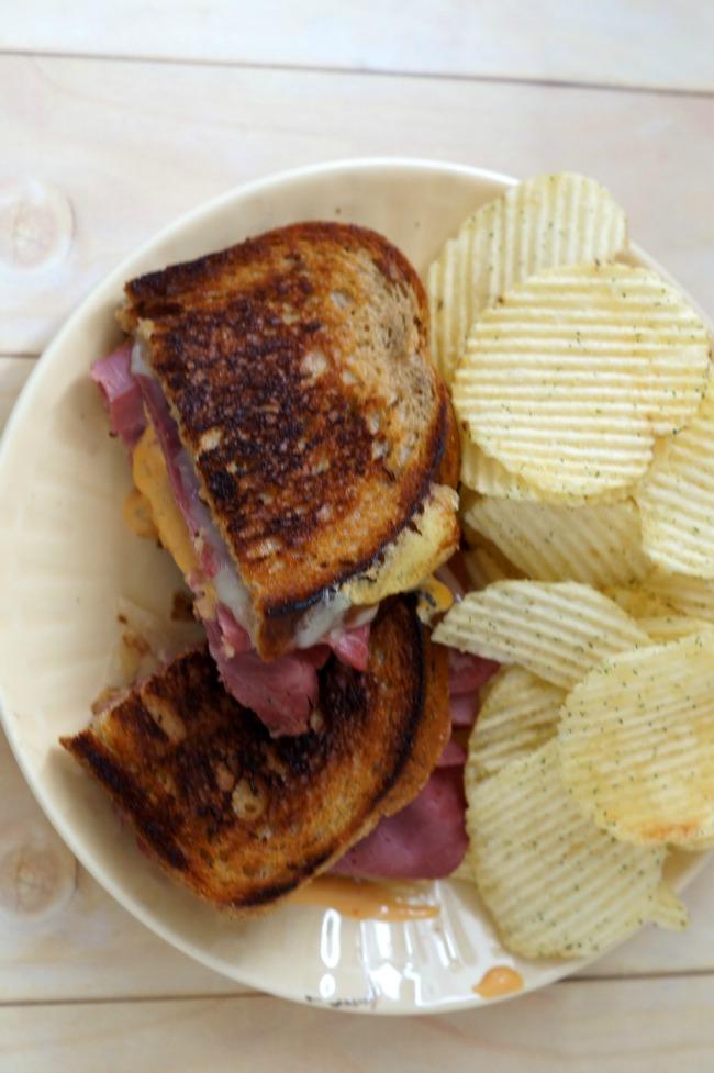 reuben-sandwich-overhead-650