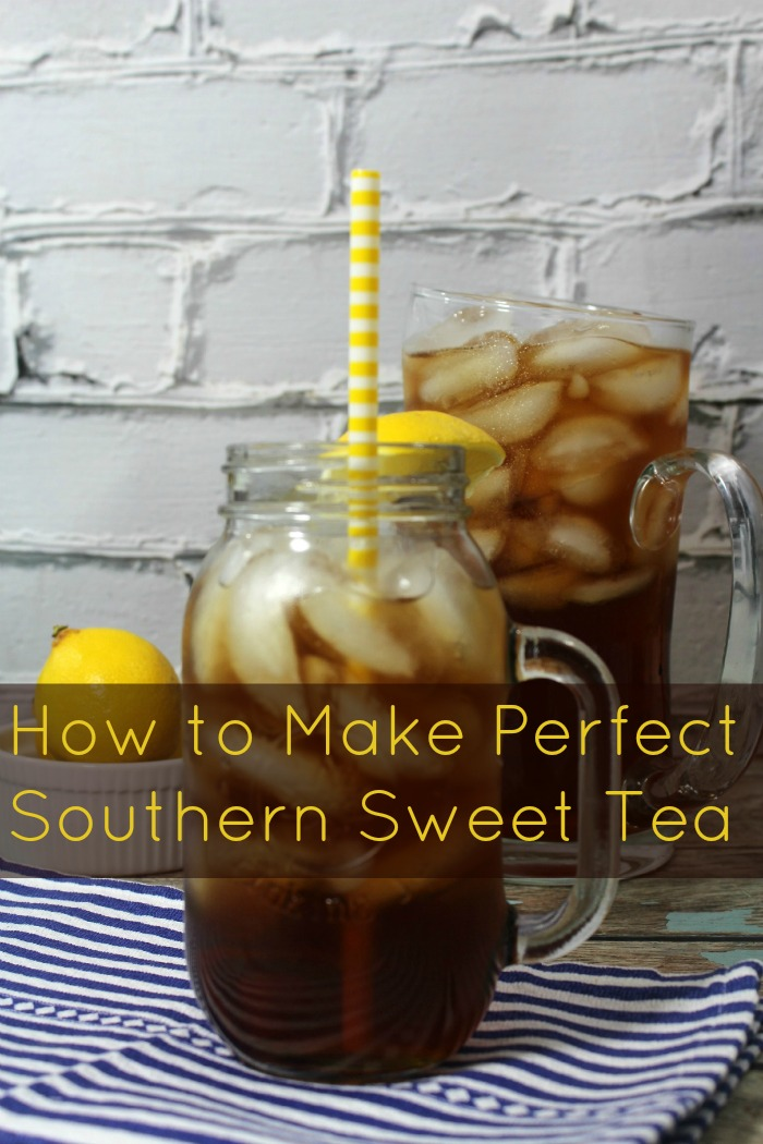 Sweet tea is a tradition in the South US. Learn the secret behind making the perfect Southern Sweet Tea with this recipe | Drink | Iced Tea Sweetened Ice tea
