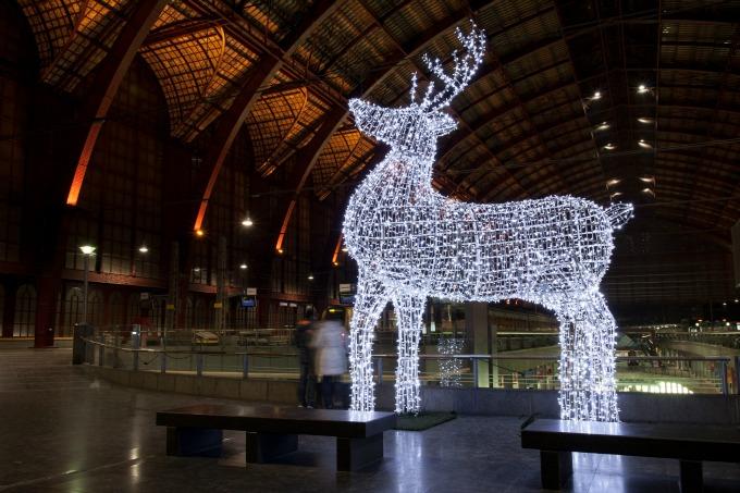 light up giant reindeer