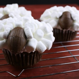 quick and easy sheep cupcakes