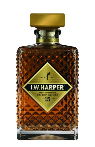 I.W._HARPER_15_YEAR whiskey