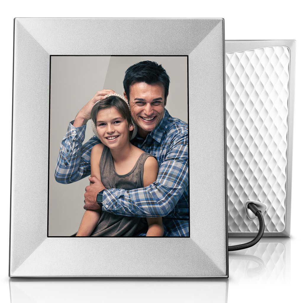 Always be able to share your photos with the Nixplay Iris digital photo frame.