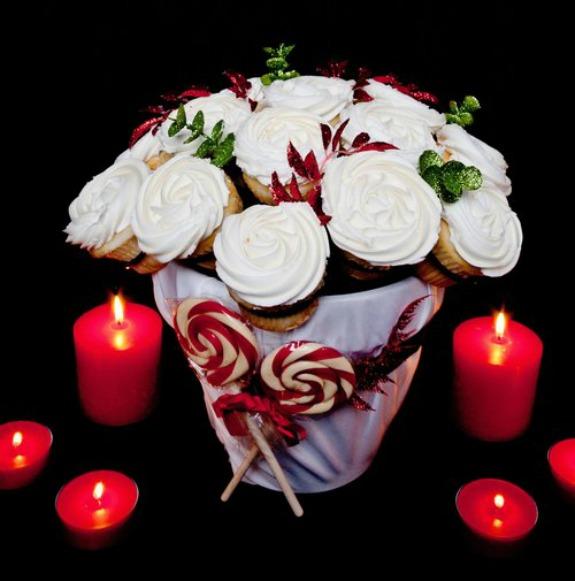 cupcake-rack-candycane_crop