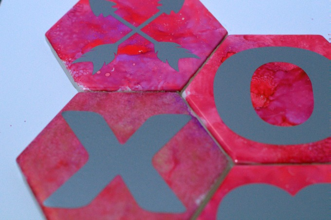 How to make Hugs and Kisses upcycled tile coaster