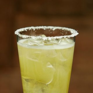How to make a mexican mule beer cocktail