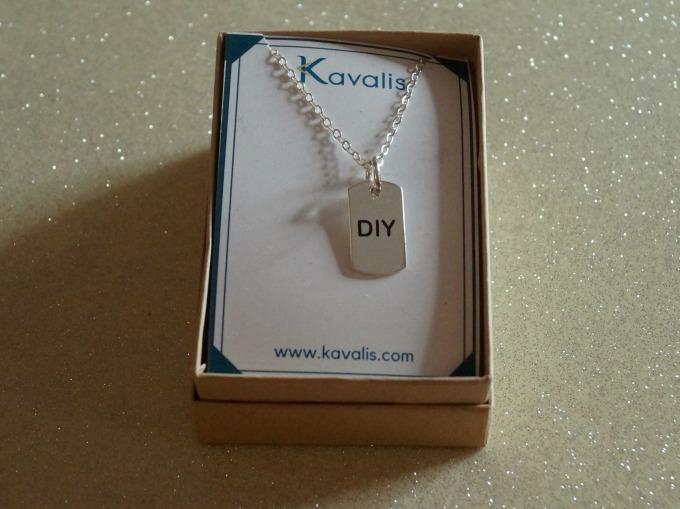 Kavalis DIY Pendant