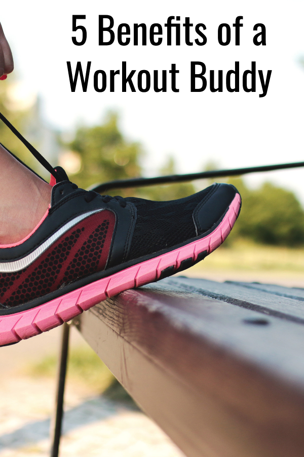 Having a workout buddy or a fitness accountability partner can do wonders for you! Learn 5 great benefits, and why ou'll want to find a friend to exercise with.