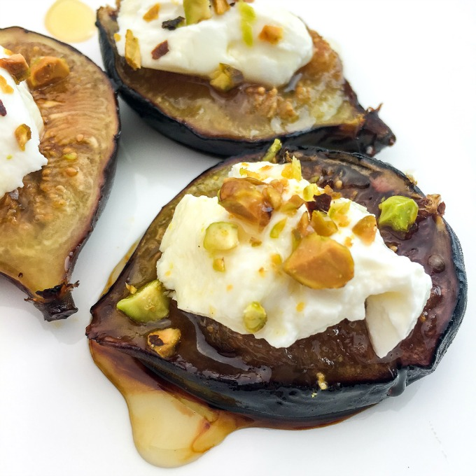 How to make baked figs with honey and cheese