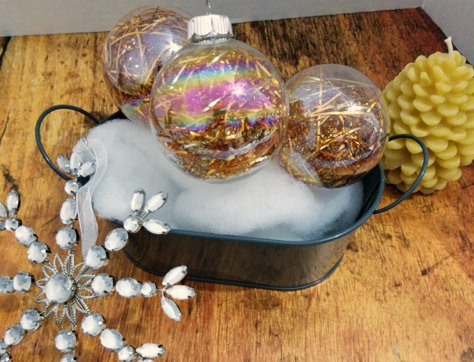 How to make tinsel Christmas ornaments