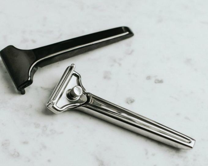 Single blade razor from supply