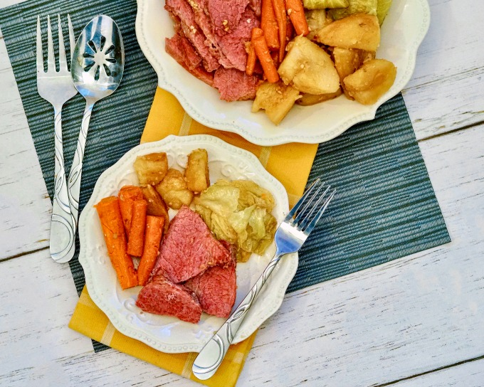 slow cooker corned beef with champagne and veggies