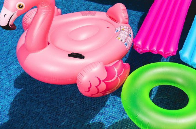 The best giant pool floats for adults from Amazon