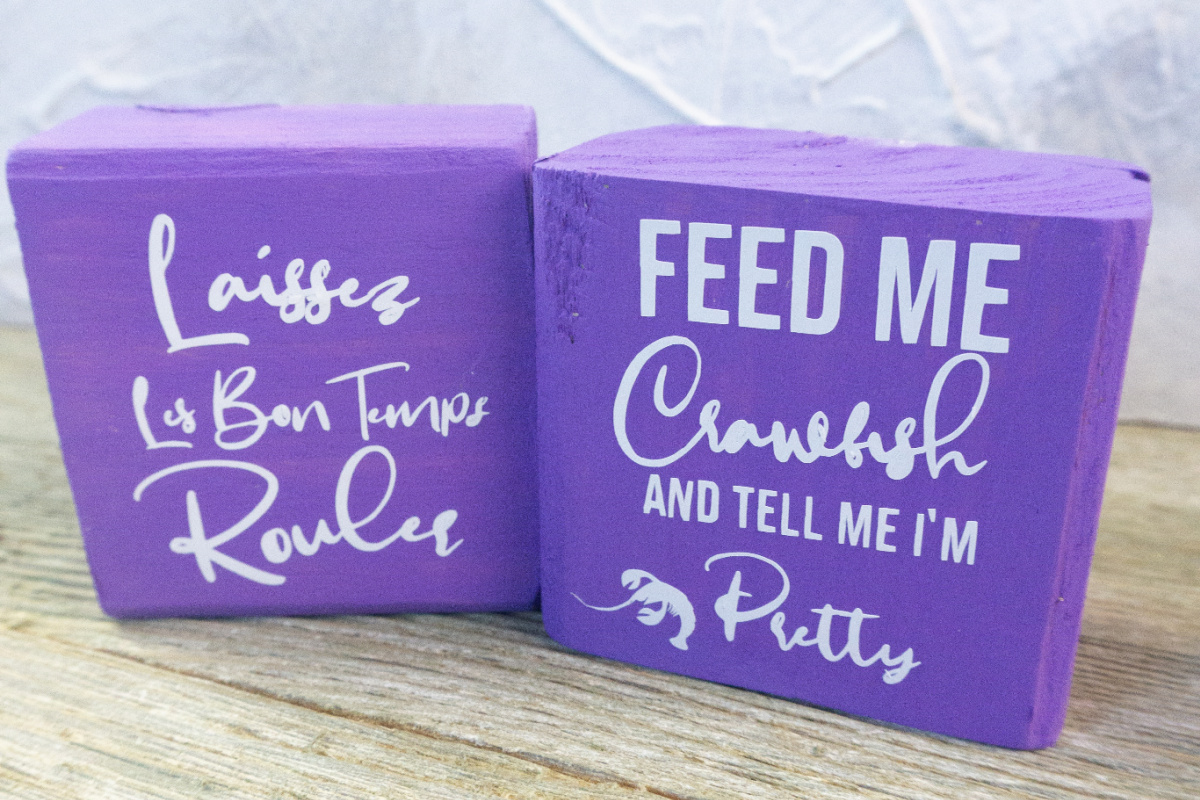 DIY Mardi Gras wood signs made with the Cricut