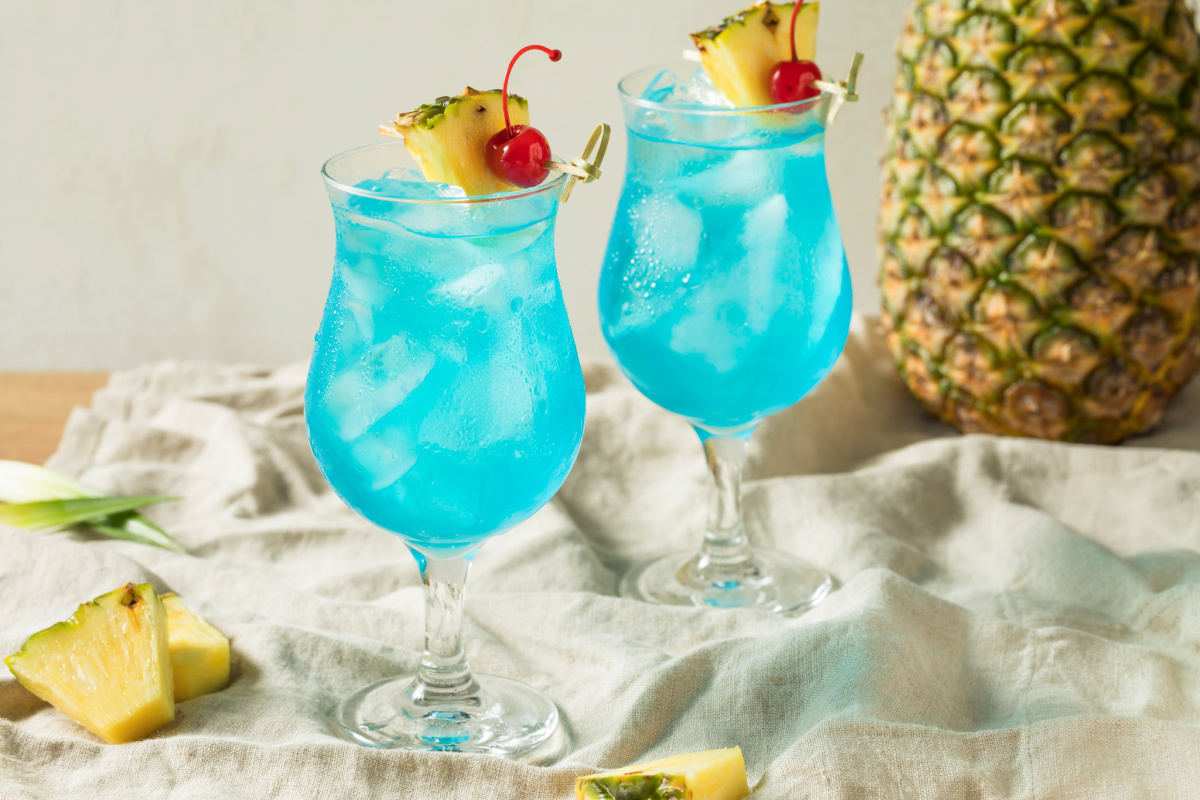Blue Hawaii cocktail recipe
